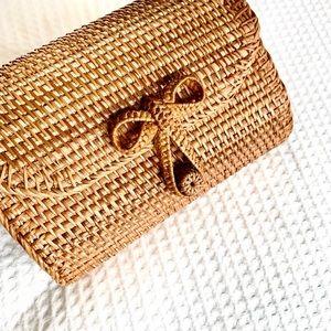 🆕 | vacay ready woven rattan crossbody bag |